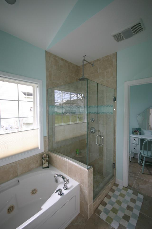 Bathroom remodeling comstock park grand rapids mi for Bath remodel wyoming mi